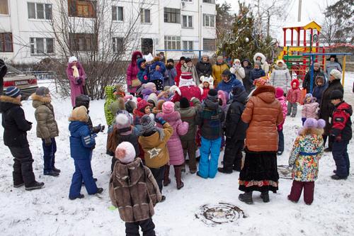 Новогодний праздник двора 2016