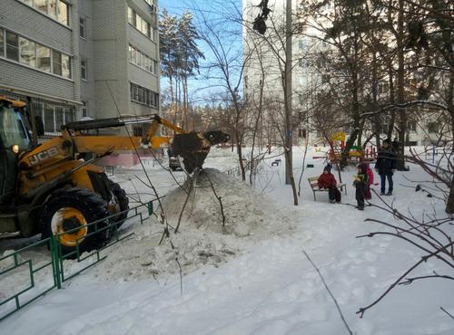 Уборка снега. Январь 2017.
